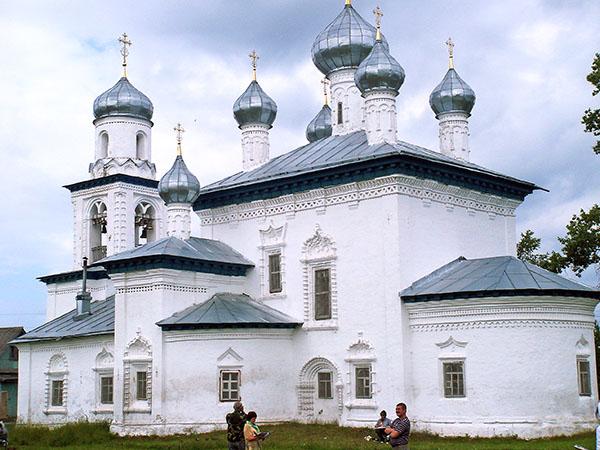 Каргополь. Церковь Рождества Богородицы