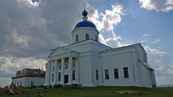 Восстановленная церковь ...