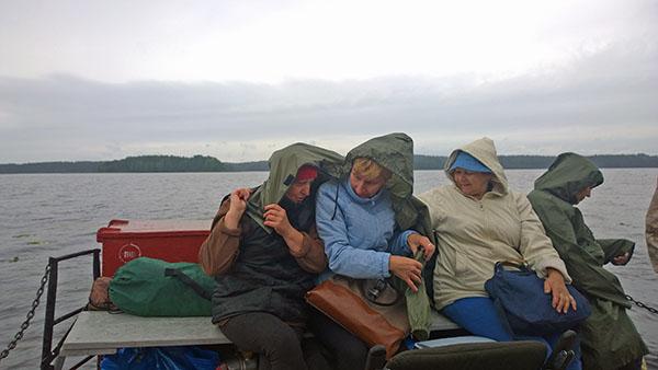 Загружались и шли в Вершинино под дождем