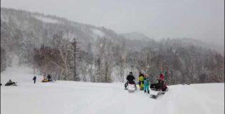 Прогулка на снегоходах на Сахалине
